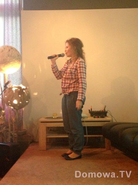 Luźne spodnie, niskie buty i luźna koszula :) wiecie, że ważyłam wtedy wyjątkowo mało i miałam bardzo fajne wymiary?