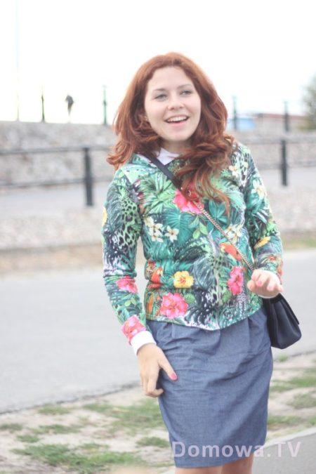 Krótsze bluzy, spódnice