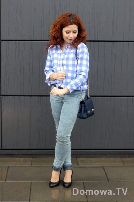 A tutaj ze szpilkami :) choć zastanawiałam się czy nie fajniej by wyglądało ze spodniami typu boyfriend :)
