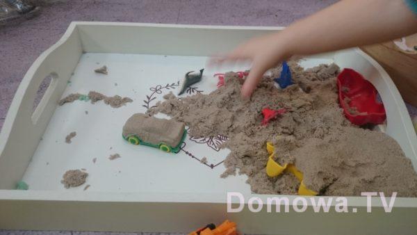 Tutaj samochód z piasku