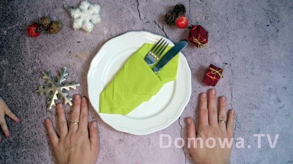 Serwetka złożona w kieszonkę nasztućce