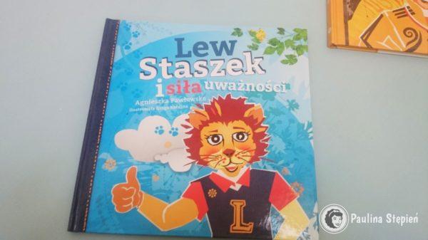 Lew Staszek i siła uwazności