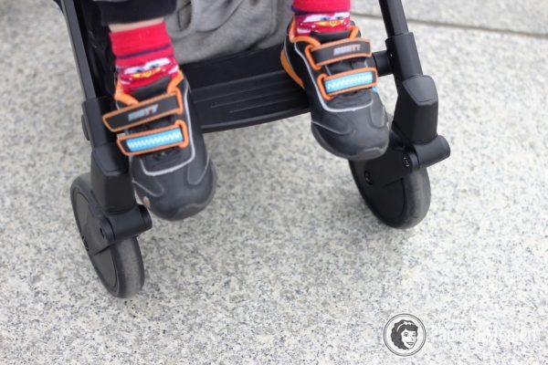 Podparcie na nóżki, dziecko lat 2