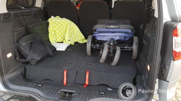 Miejsce w bagażniku auta
