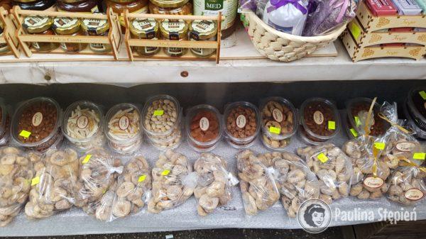 Orzeszki, figi, suszonki z targu ok. 25-50 kn