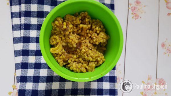 Podstawowe danie, niezawodne i najlepsze: kasza gryczana z suszoną żurawiną, orzechami