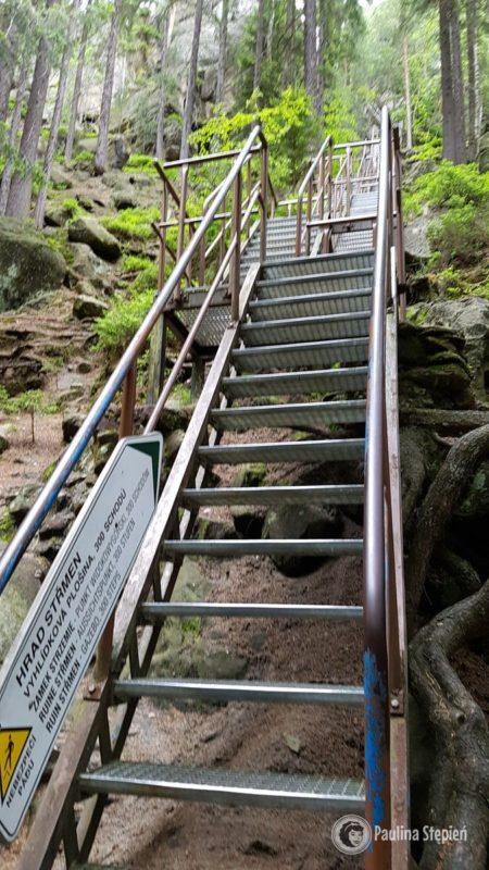 Tu na te schody raczej bez dzieci jak ktoś chce