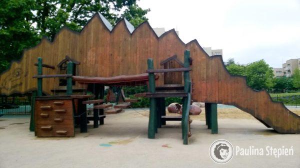 Plac zabaw park jurajski