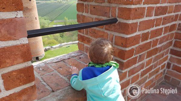 Zamek Czersk wieża bramna na górze :)