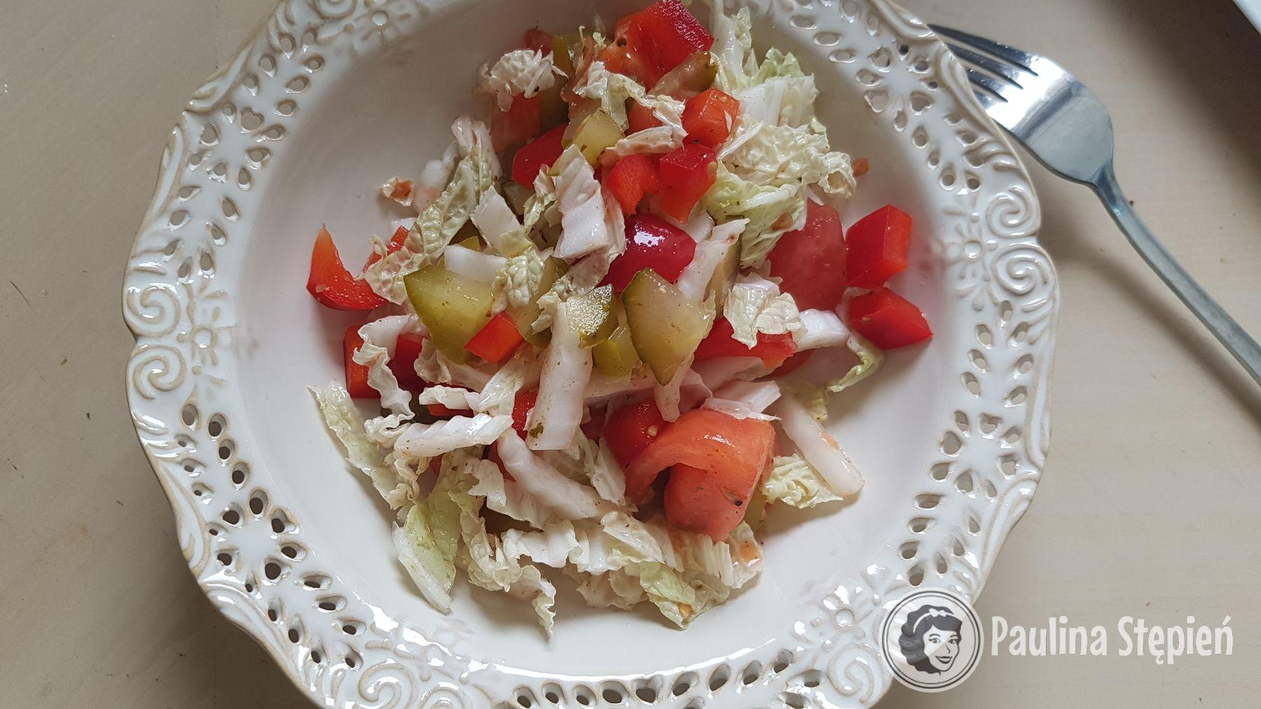 Sałatka z kiszonym ogórkiem