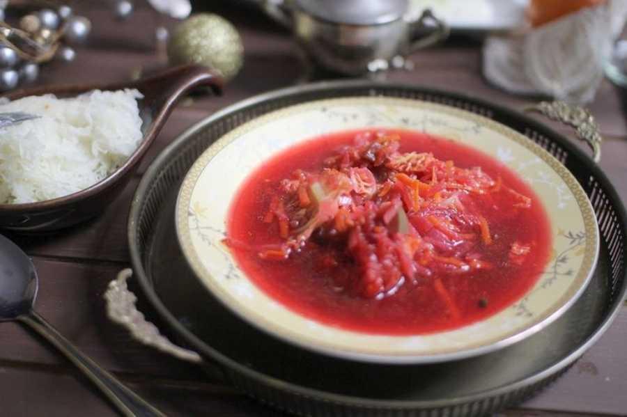 Kolacja zupa barszcz warzywny