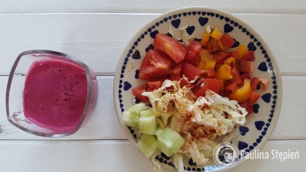 Śniadanie 15, sok z buraków, warzywa świeże