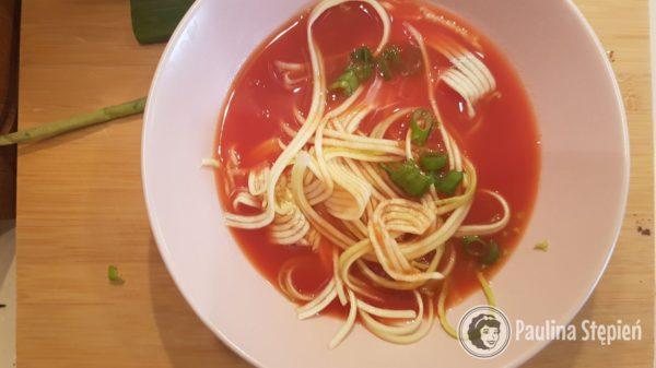 Prekąska 21, zupa pomidorowa warzywna
