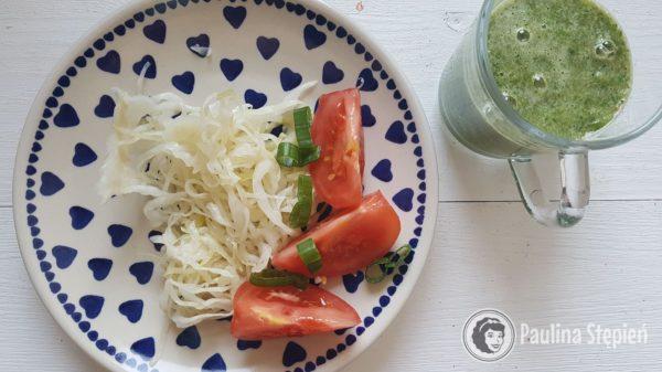 Śniadanie 22, kiszna kapusta, warzywa, koktajla