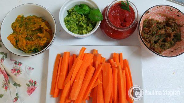 Kolacja 26, marchewki z dipami