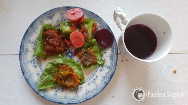 Śniadanie 27, kanapki na warzywnym chlebie i zakwas z buraków