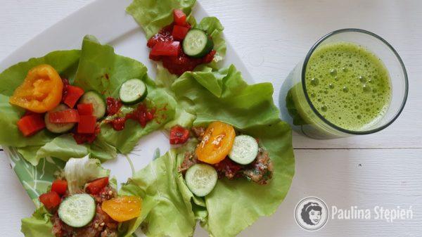Śniadanie 32, sałata z warzywami i sosem