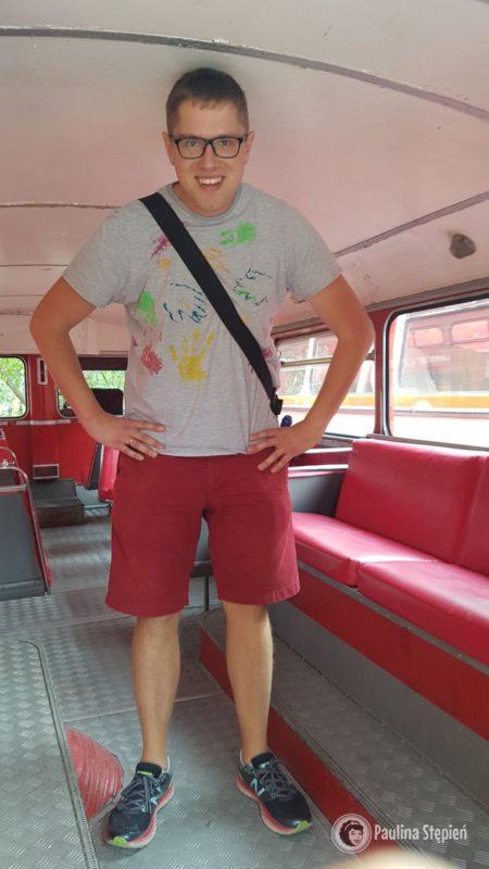 Stary piętrowy autobus
