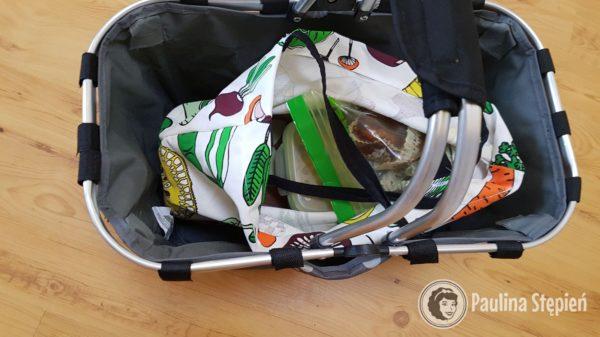 A tu cały zestaw :) w torbie są pojemniki z jedzeniem, a tym razem koszyk (kupny) na zakupy