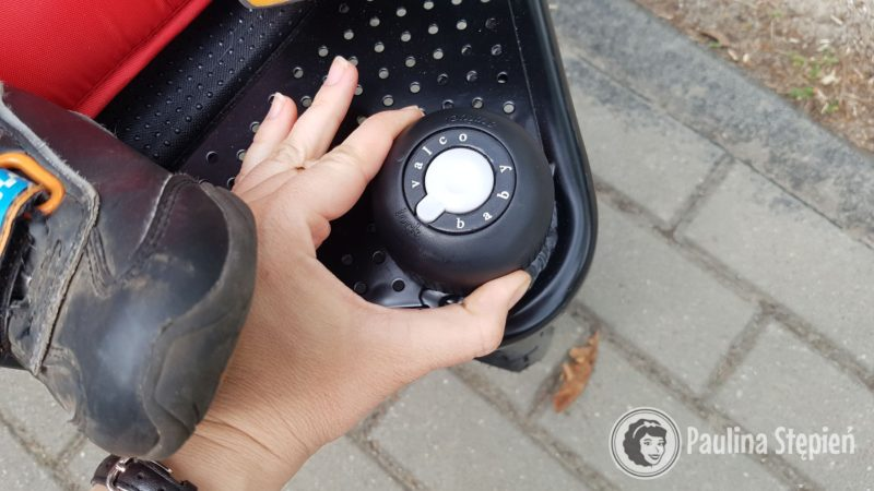 Ustawienie przedniego koła (skrętne, jazda na prosto i ograniczony skręt)