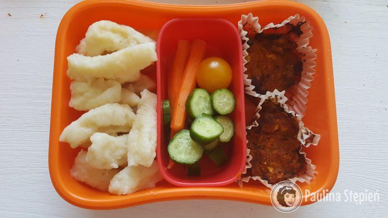 Kluseczki leniwe, warzywa, ciasteczka marchewkowe