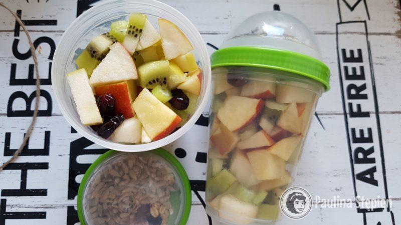 Sałatki owocowe z ziarnami