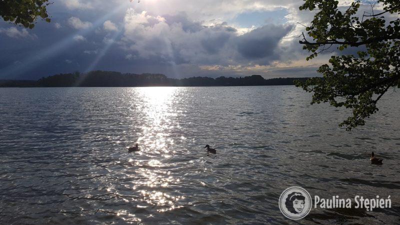 Widok na jezioro Narie