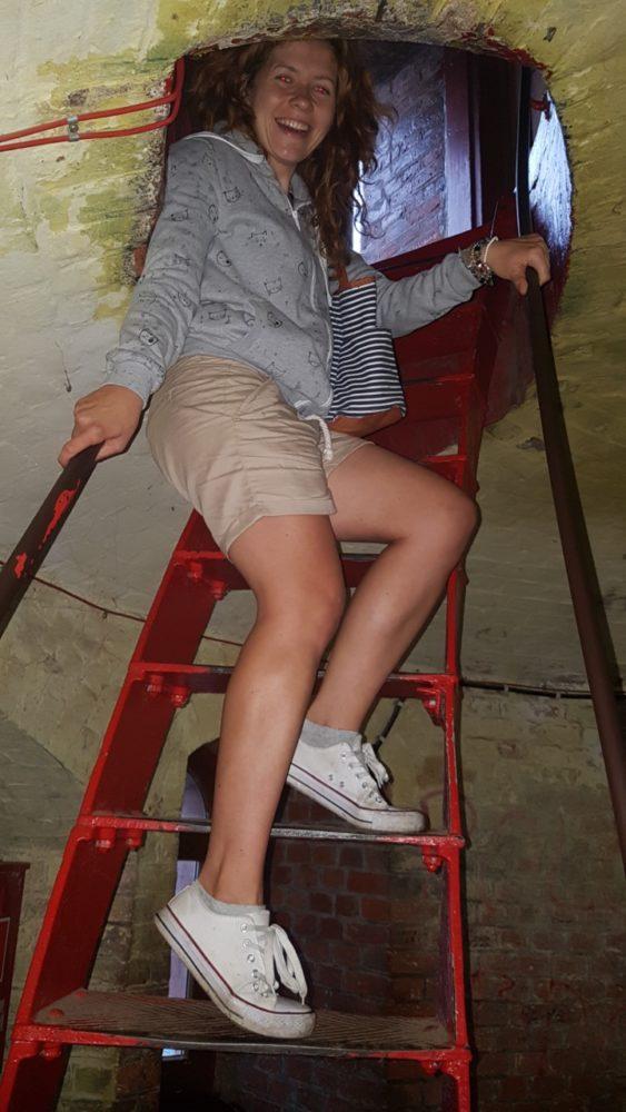 Ostatnie schody na latarni w Gąskach