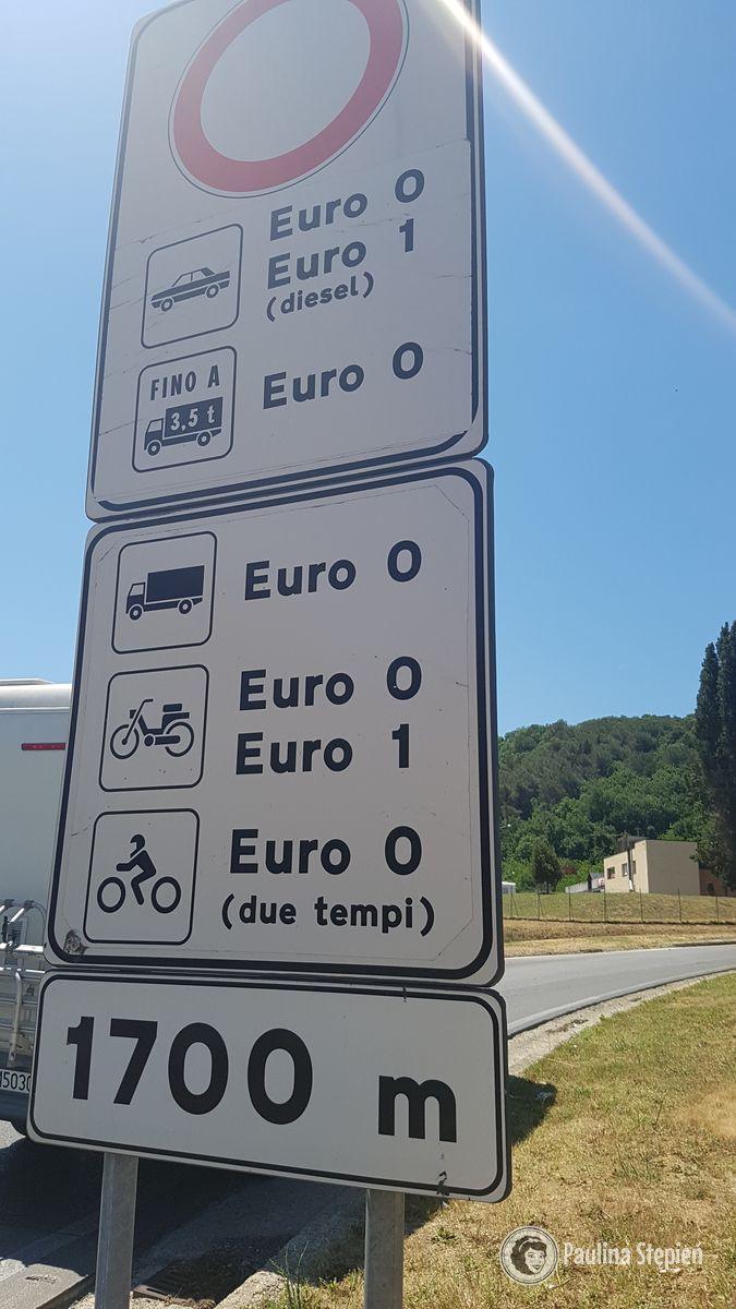 """Ograniczenia wjazdu dla""""starych"""" samochodów (weź to pod uwagę)"""