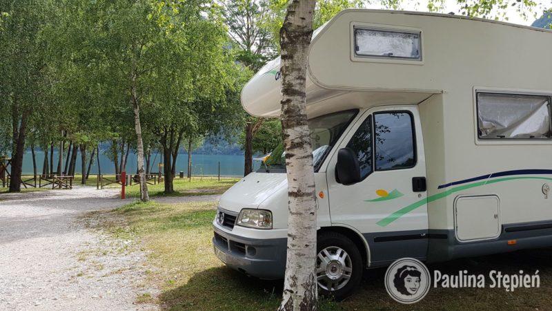 Campsite Lago 3 Comuni, zaraz nad jeziorem Cavazzo