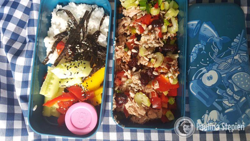 Jedzenie gotowe, tym razem sałatka z tuńczykiem i susi bowl, które uwielbiam!