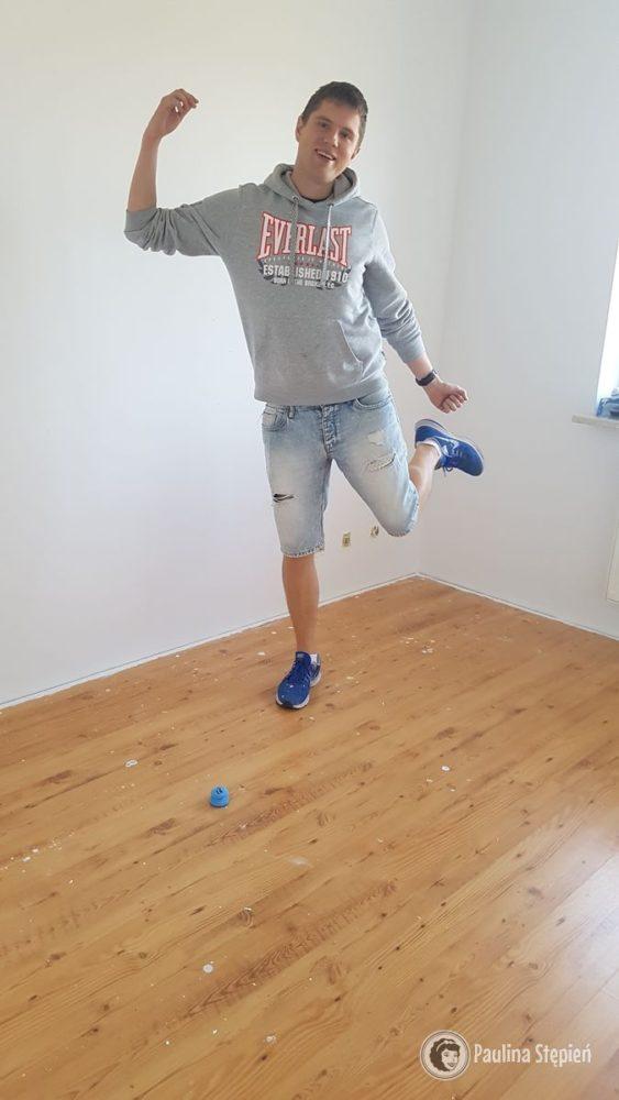 Michał szczęśliwy, że pomalował haha