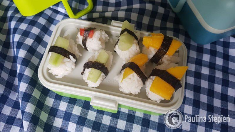 Najczęściej to nigiri z różnymi dodatkami warzywnymi i owocowymi