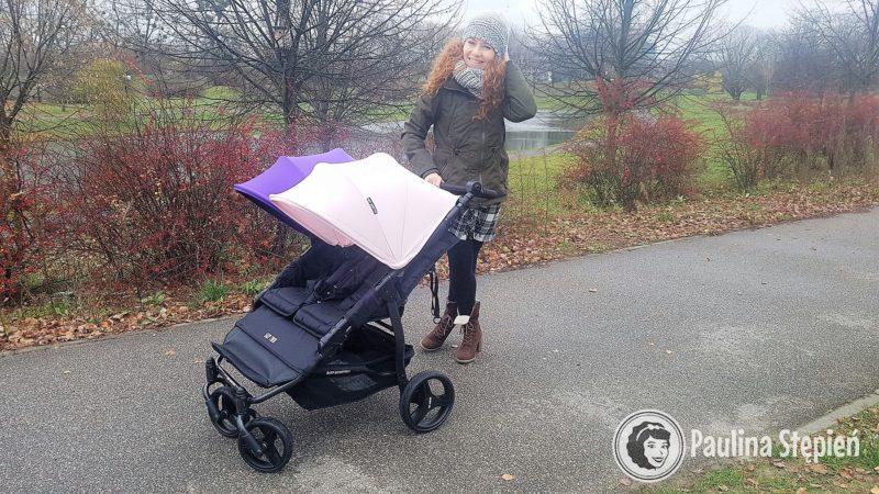 Wózek dla dwójki dzieci, a mimo to dość zgrabny