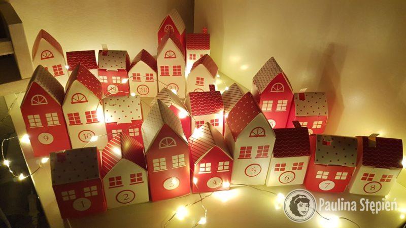 A to domki nocą