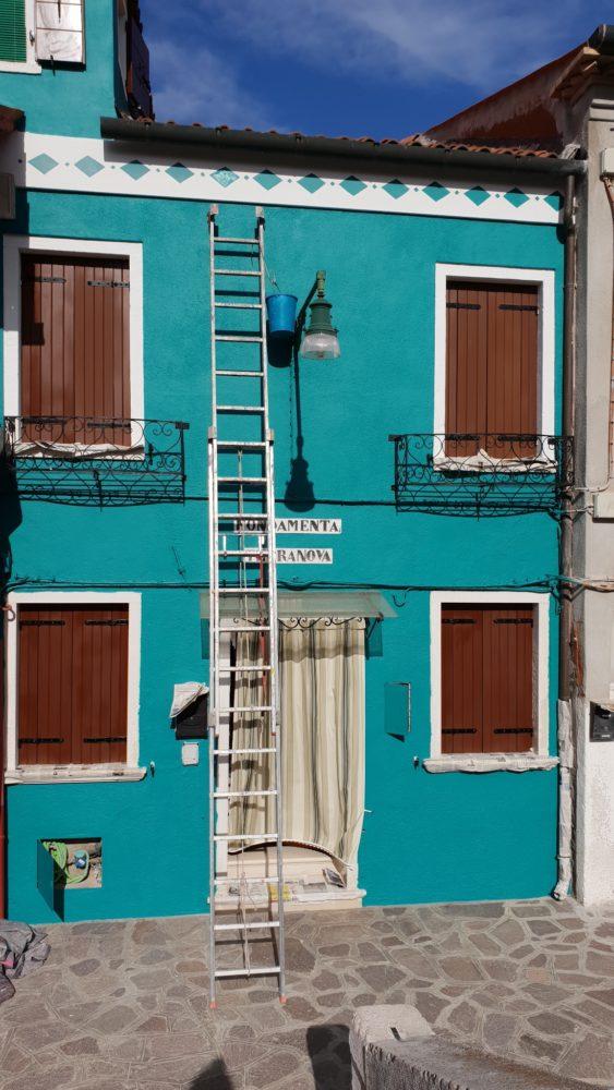 Akurat malowali jeden dom