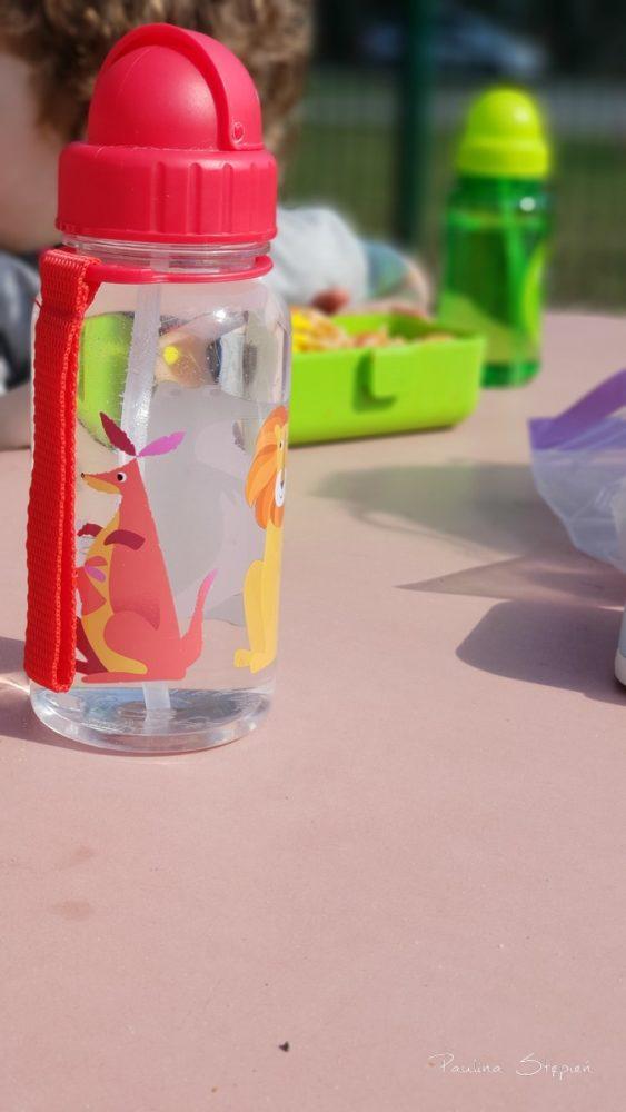 Zawsze zabieramy ze sobą butelkę wody dla każdego plus zapas