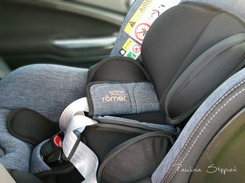 Fotelik z wkładką redukującą dla niemowląt
