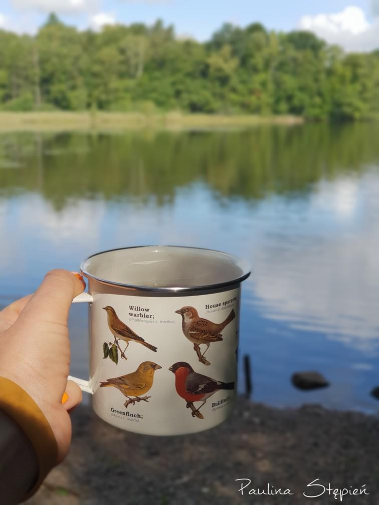 I jeden z moich ukochanych kubków, no cóż takich zdjęć będzie sporo, ale cieszy mnie ten widok na jezioro :)