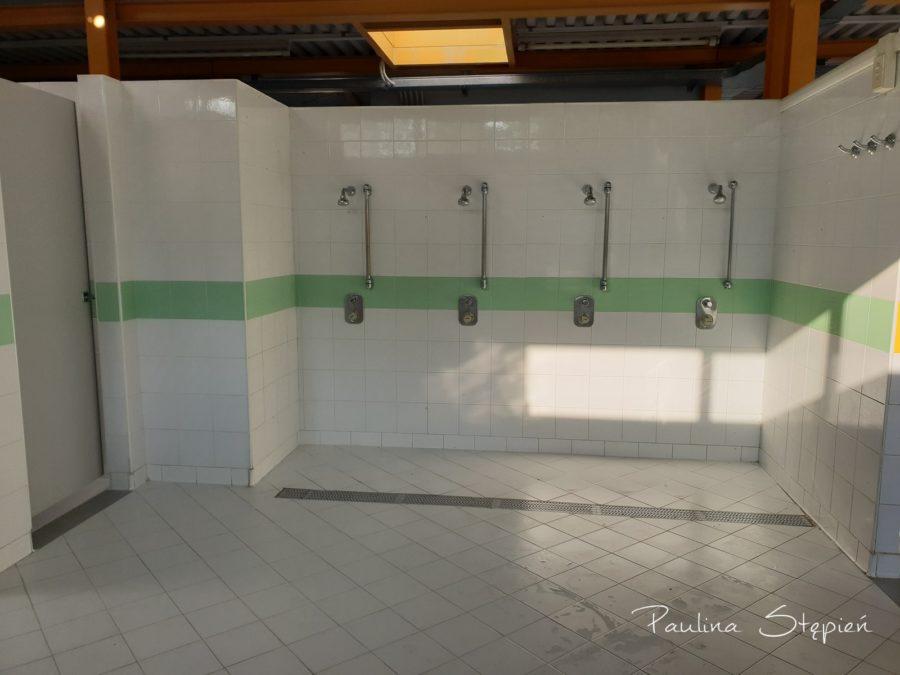 Prysznice dla dzieci na kempingu