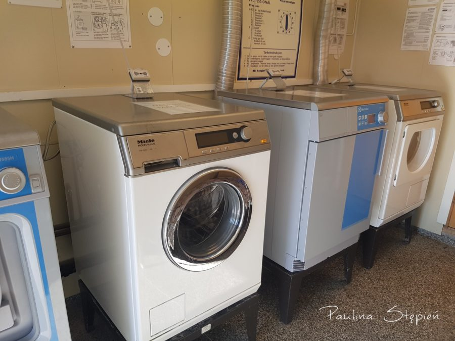 A to na polu kempingowym, w cenie tych pobytów często są zsumowane pralki (ok.2-5 euro)