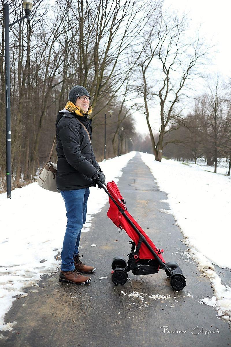 Michał z wózkiem