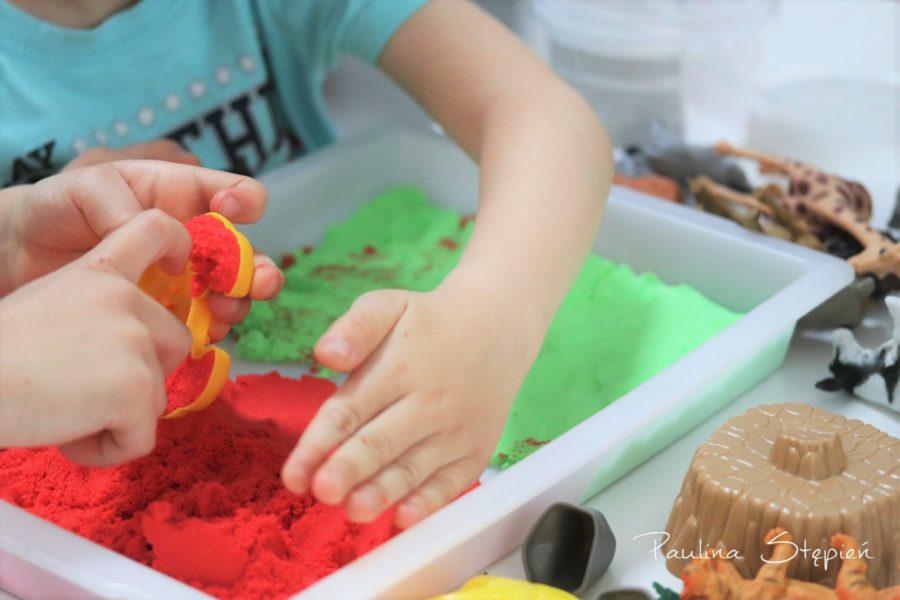 Kolorowy piasek kinetyczny