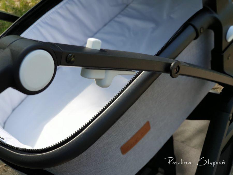 Przyciski do składania wózka