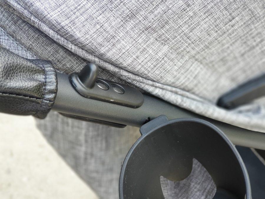 Dźwignie do złożenia wózka