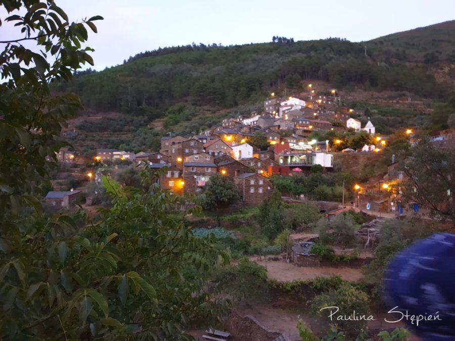 Piodao, bardzo urocze miasteczko, do którego prowadzi bardzo urocza droga (haha), Portugalia
