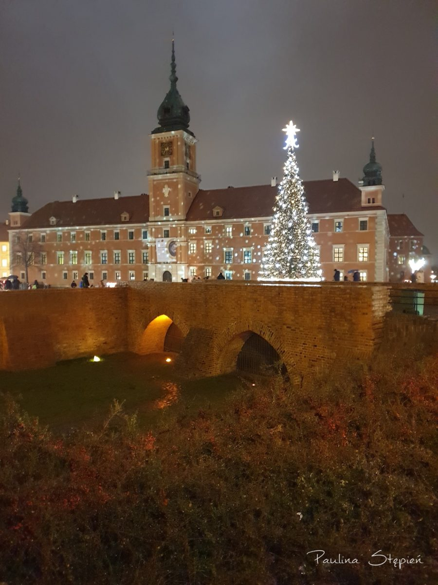 Z takim widokiem ostatnio piliśmy herbatkę, czyli z widokiem na Zamek Królewski w Warszawie :)