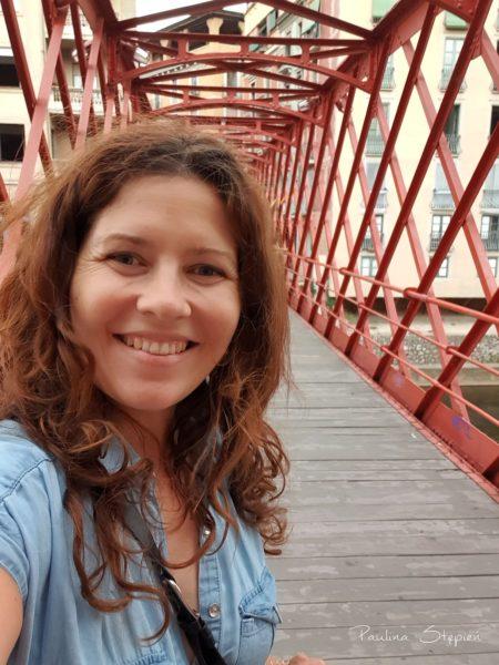 Na czerwonym moście w Gironie